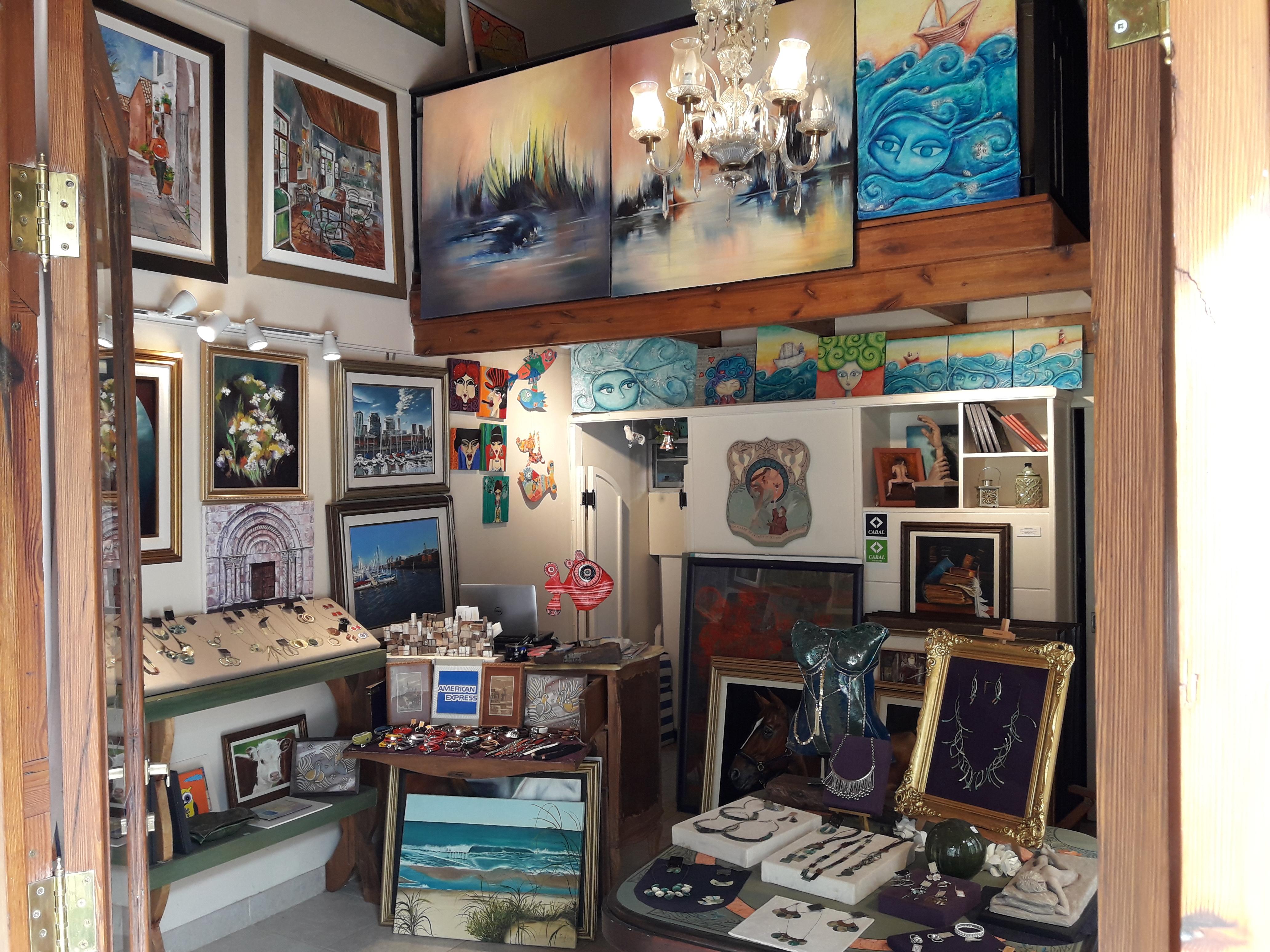 Galería Por Amor Al Arte, Colón