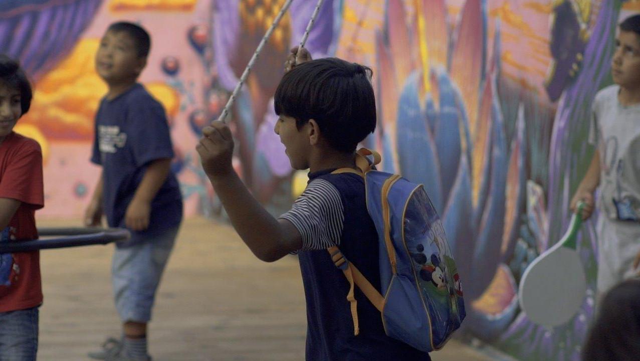 תלמיד בבית ספר לפליטים