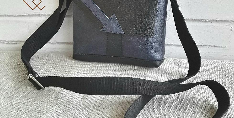 Mini besace tout cuir version 2