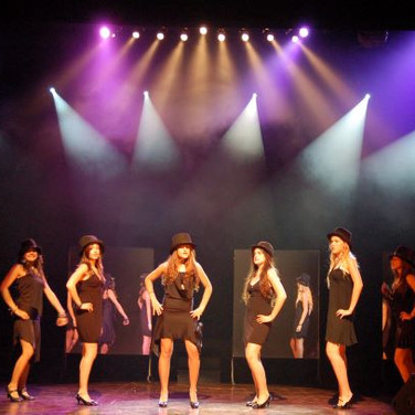 A musical from the songs of Shalom Hanoch