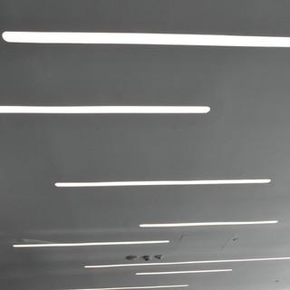 גופי תאורה ארוכים - שקועי תקרה