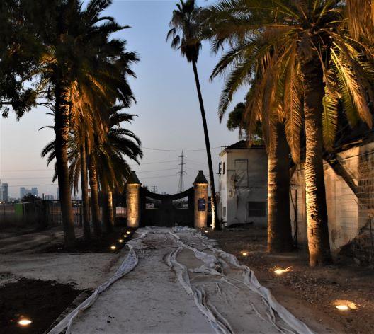 שער הכניסה של מקוה ישראל מהצד הפנימי