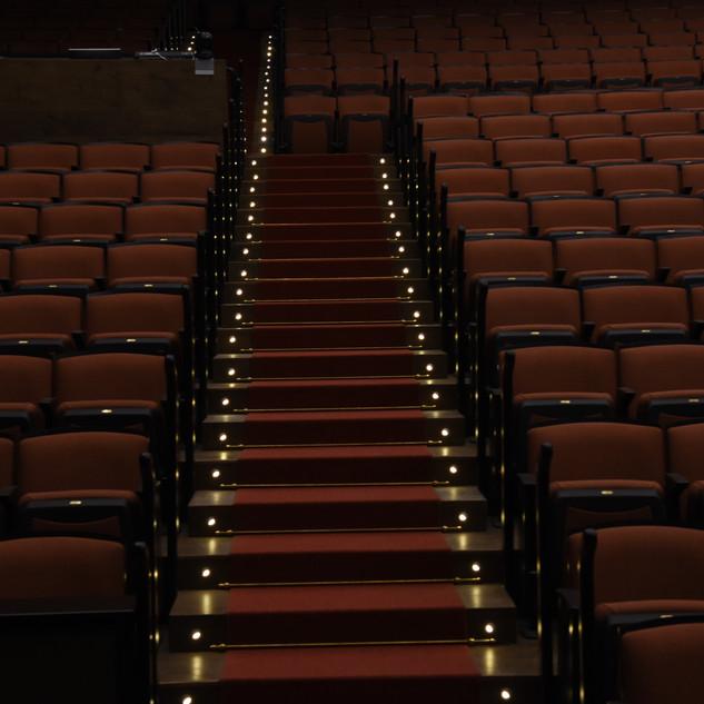 תאורת המדרגות באולם ויקס