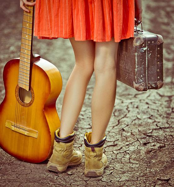 Fille et Guitare