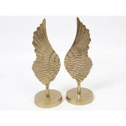 Un set d'ailes dorées