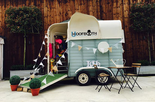 Hoofbooth - The Horsebox Photobooth