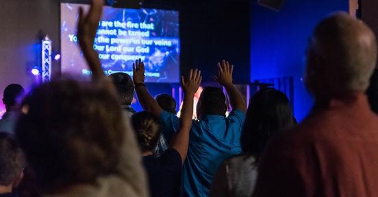 Heartland Church Sunday Worship with Song