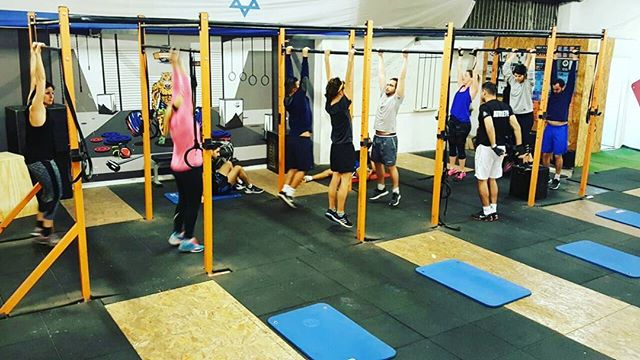 DEAD - HANG! 😎 _crossfitrehovot_#crossfit #fitnessfreak #fitnessmotivation #fitness #crossfitters_i