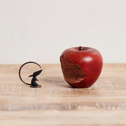 """ネズミ""""Walter Bosse""""とリンゴ"""