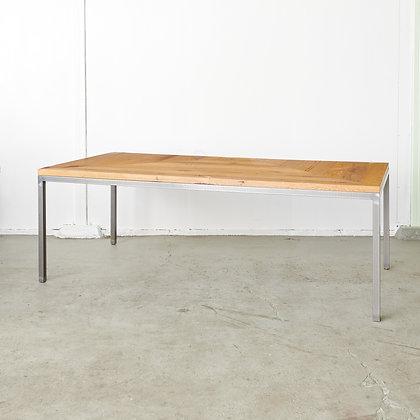 ボーディングテーブル