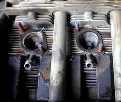 Porsche engine's exhaust manifold leak is revealed