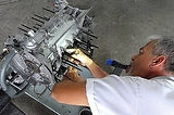 george perdomo inspecting rod journal bearing play in 3.3 miami porsche engine