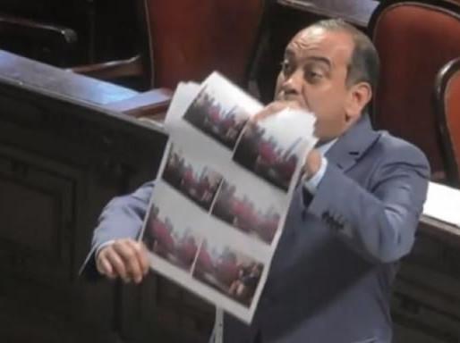 Deputado acusa vereadores de golpistas por estarem se reunindo com miliciano que também fez parte de