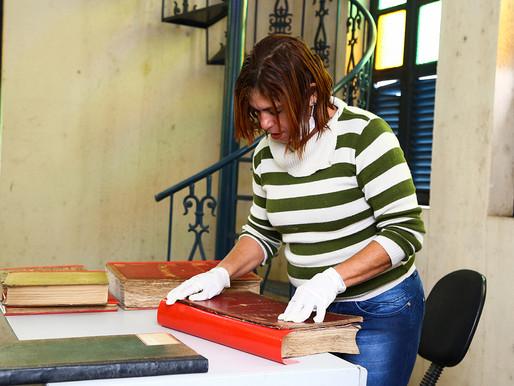 Prefeitura de Itaguaí reforma livros históricos Trabalho de restauração recupera histórias da cidade