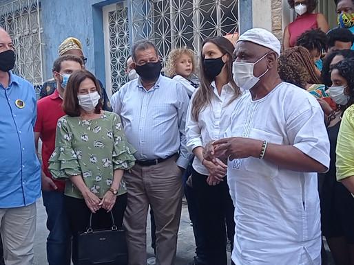 O Babalawô Ivanir dos Santos recebeu o presidenciável Ciro Gomes no Morro da Mangueira, RJ