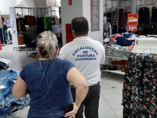 Lojas descumprem ordem de fechamento em Magé
