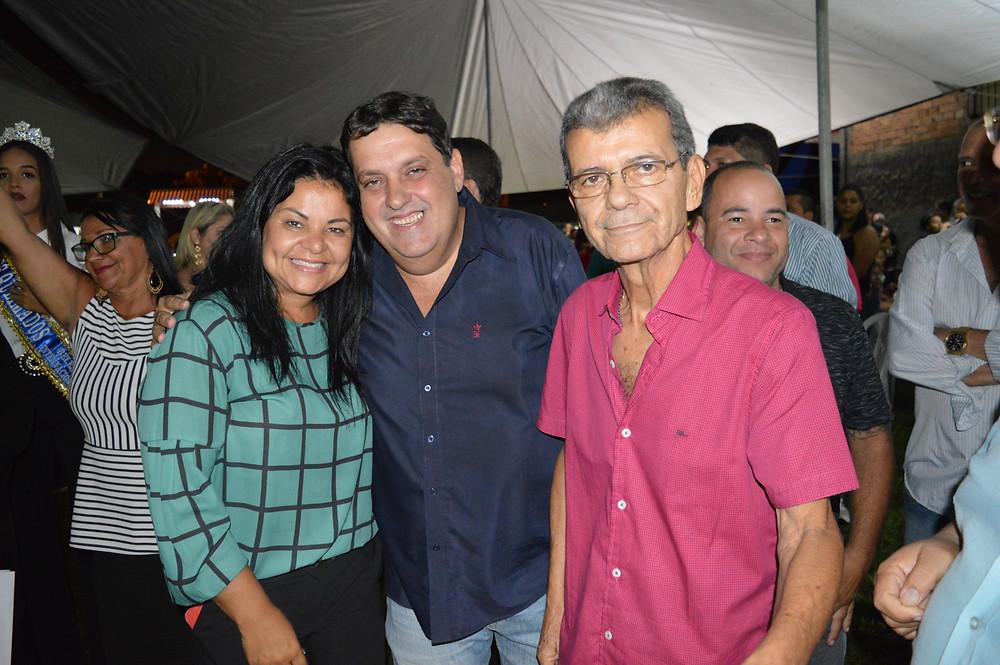 Vereadores Dr. Fátima Sanches, Alex Dornelas e o presidente da Câmara de Queimados, Milton Campos