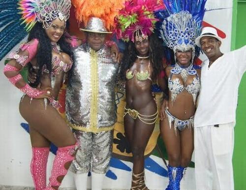O carnaval começou mais cedo em Queimados