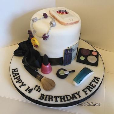 Birthday cake xx #birthdaycakes #cakes #