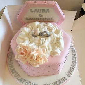 Engagement ring box cake xx #engagementc