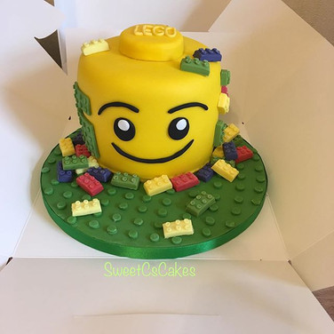 Lego head cake xx #legocake #lego #birth