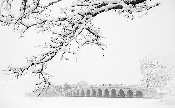 Snow scene 17 arches bridge summer palace 2, Dong Dai