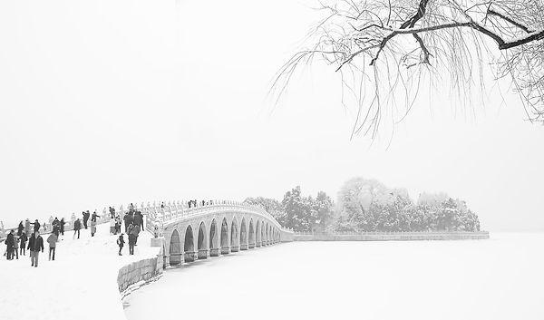 Snow scene 17 arches bridge summer palace 1, Dong Dai