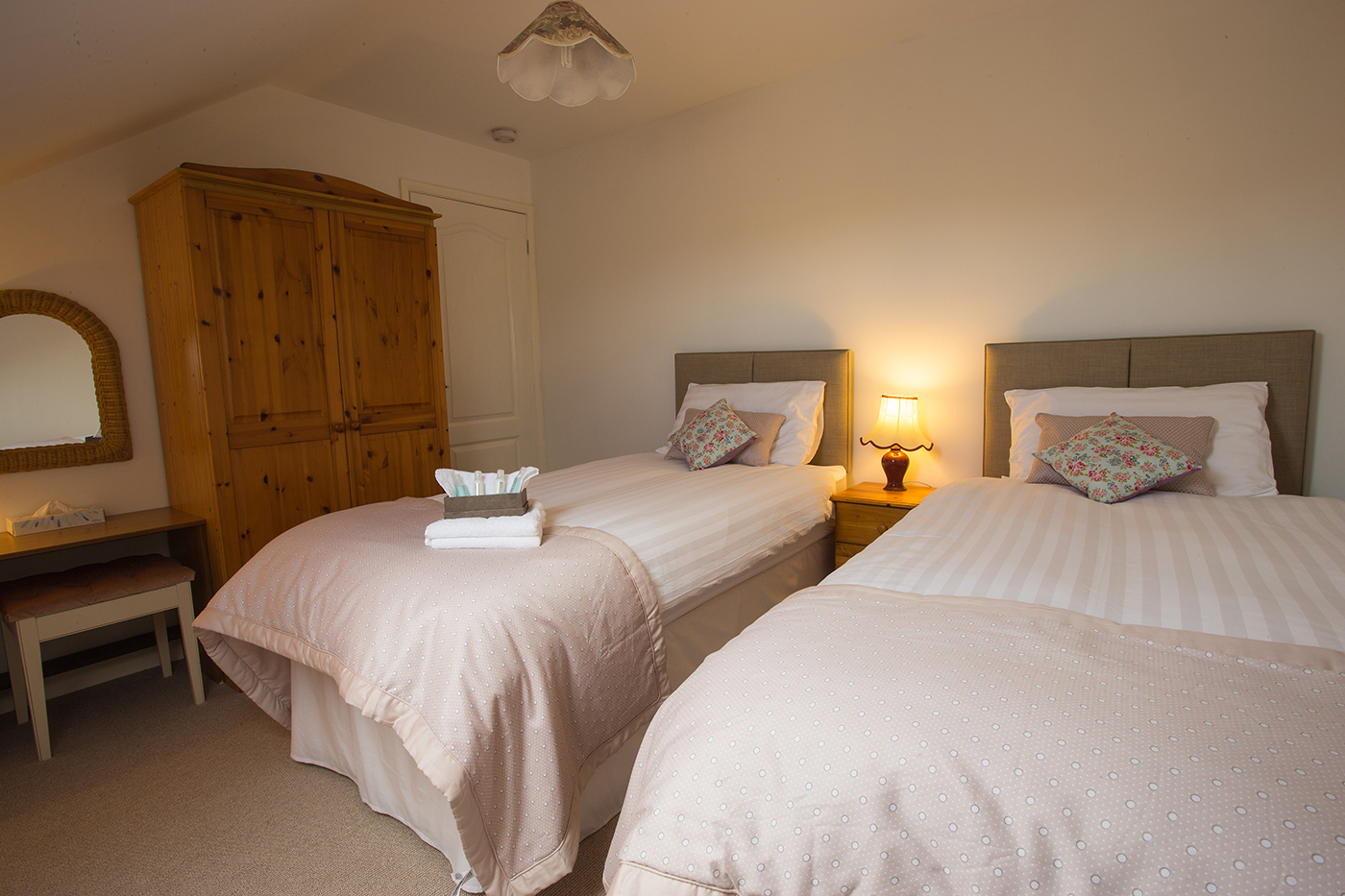 Acorn Lodge - Twin Bed