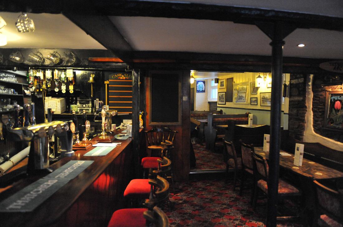 Albert Inn bar