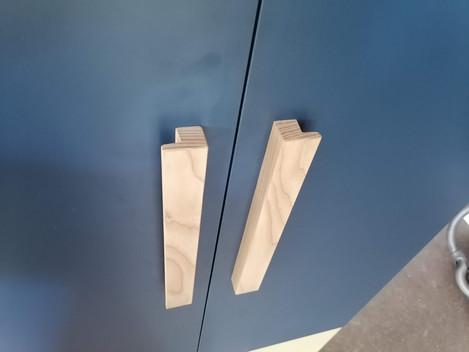 détail des poignées en bois
