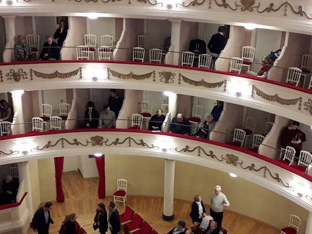 Gran soiree a teatro (Comunale di Camogli)