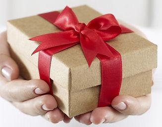 Gift-Box1-680x534.jpg
