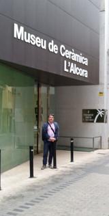 Oustside the Museu de Ceràmica L'Alcora