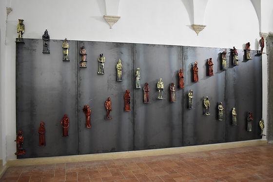 3 RefleX, with Maurizio Tittarelli Rubboli, installation with 29 figures, terracotta, in-g