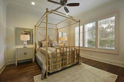 35 RES A - 016 - Guest bed