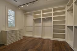 35 RES A - 020 - Master closet