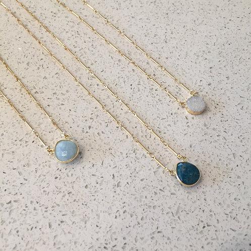 Little Gemstone Adorn Necklace