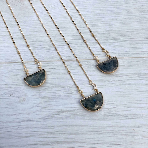 Iyaness | Moonshine Shimmer Necklace