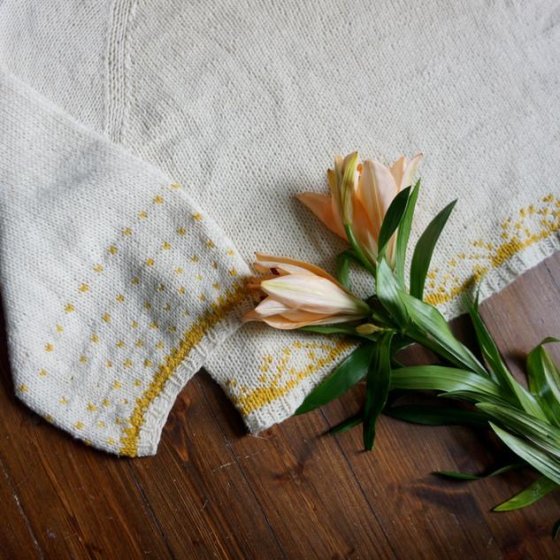 Sun Summoner Blouse knit in Pickles Summer Wool