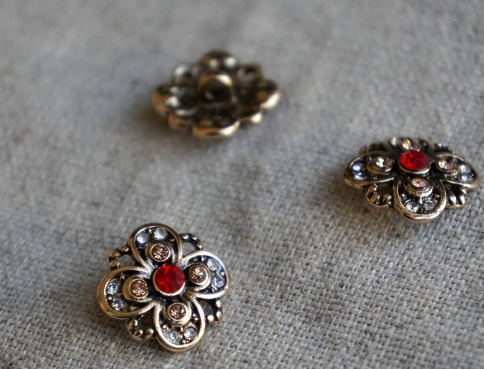 Medieval Rose Button