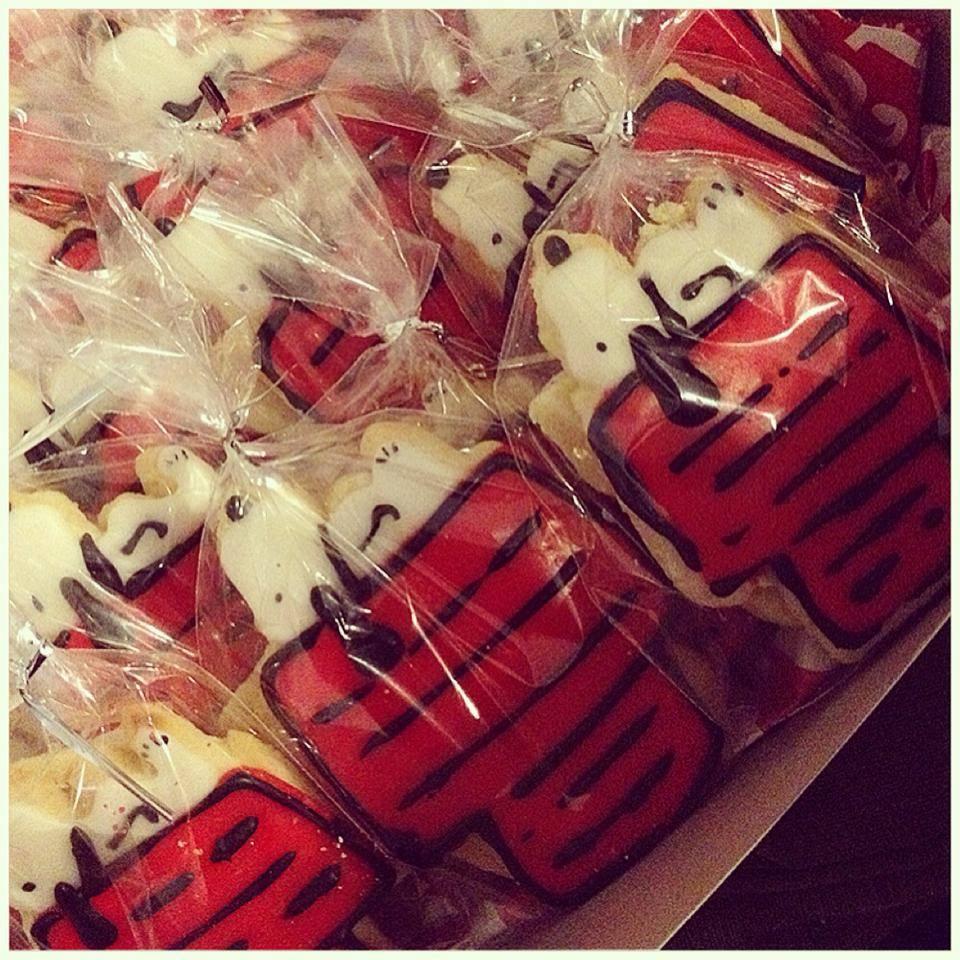 Snoopy sugar cookies 2.jpg