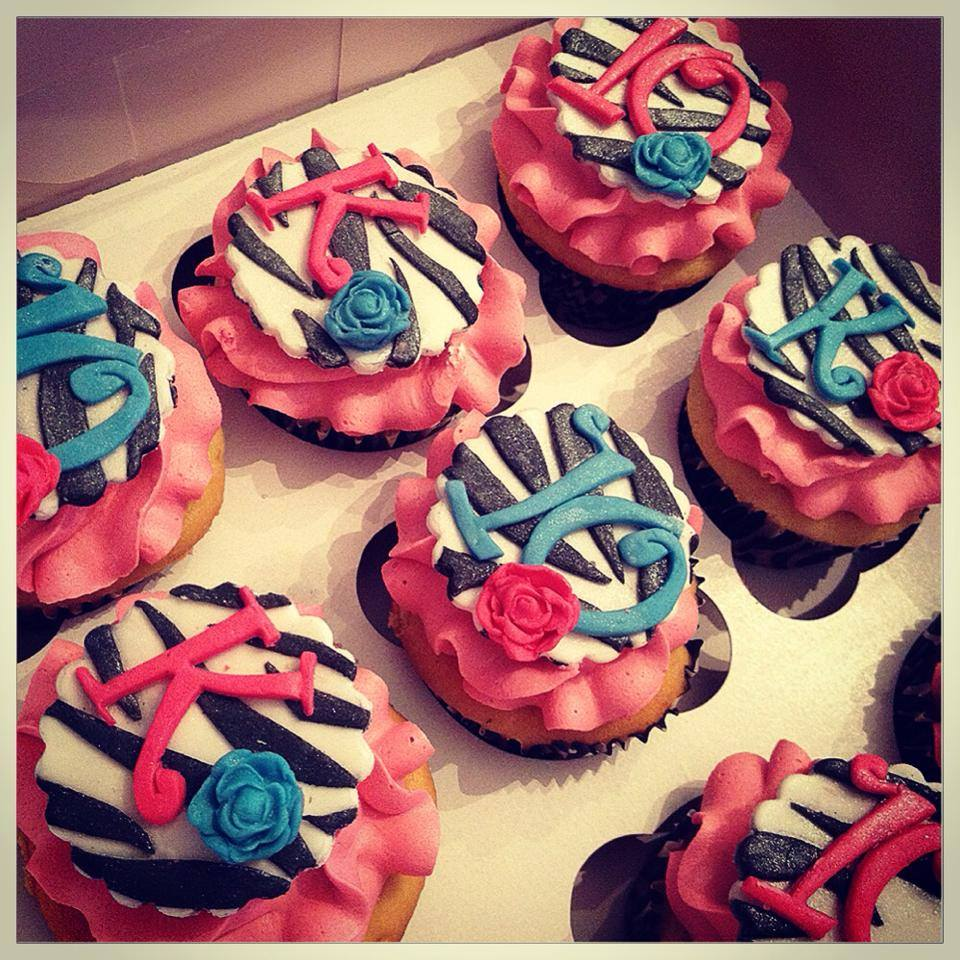zebra cupcakes.jpg
