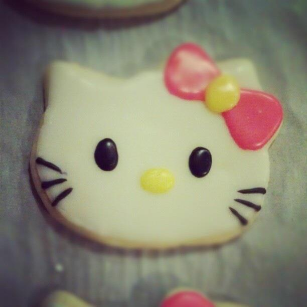 Hello+Kitty+Cookie.jpg