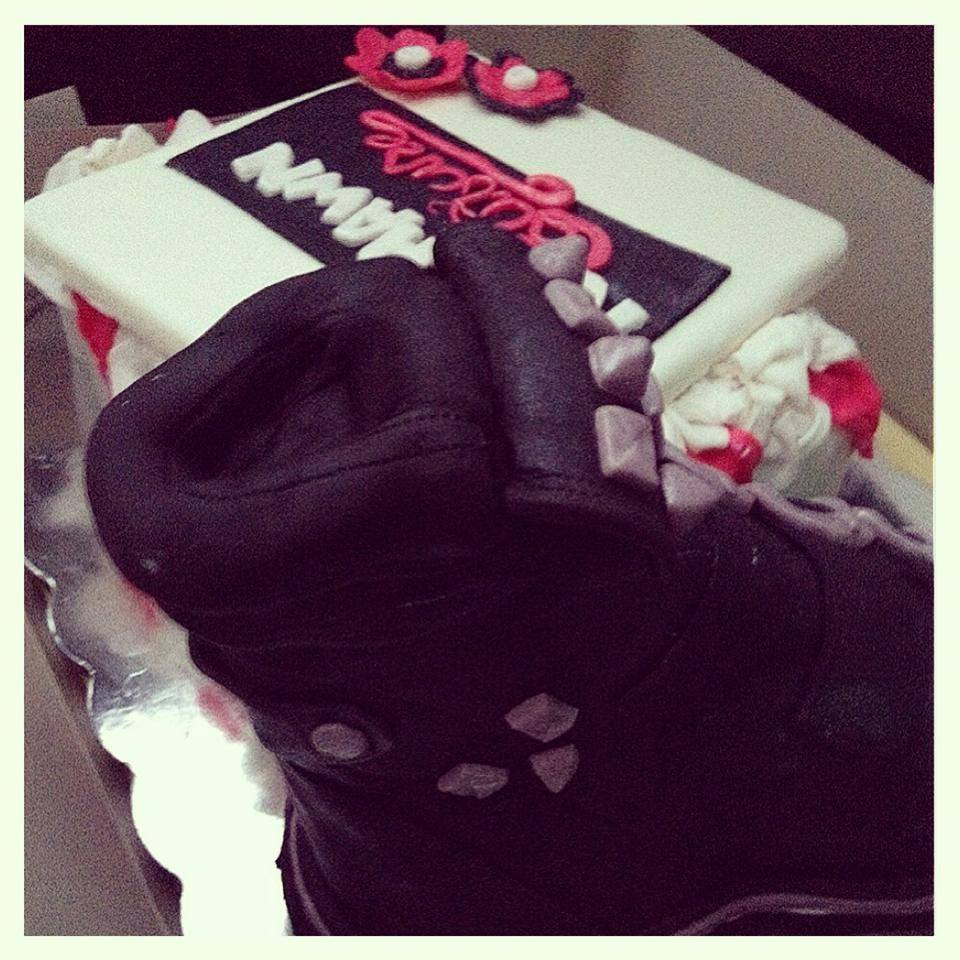 Shoe cake 2.jpg