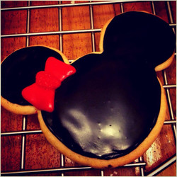 Big Minnie Sugar cookie.jpg