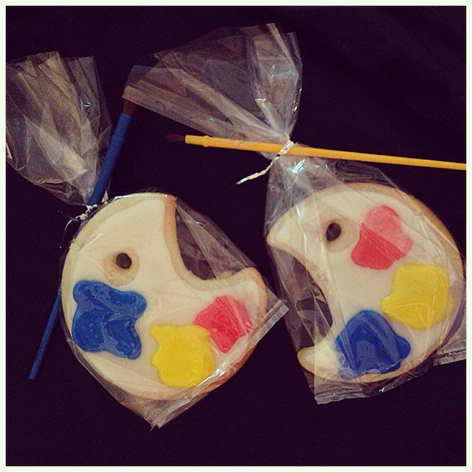 painter's pallet sugar cookies.jpg