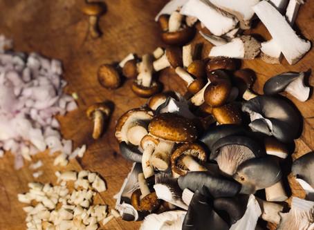 Tagliatelles aux champignons et aux épinards