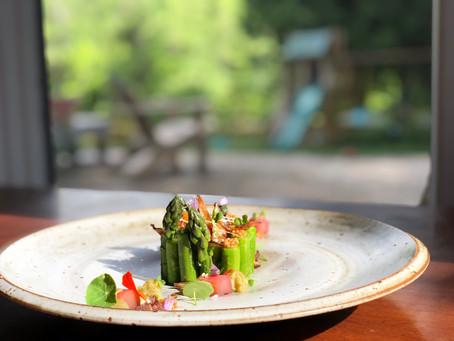 Salade d'asperge & trio de rhubarbe