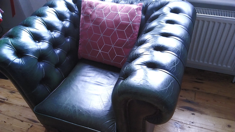 QUEEN ANNE CHESTERFIELD ARMCHAIR Leather Livery Dark Racing Green Hide