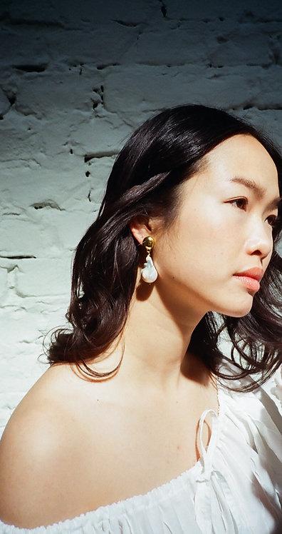 II. Grand Alpha Earrings